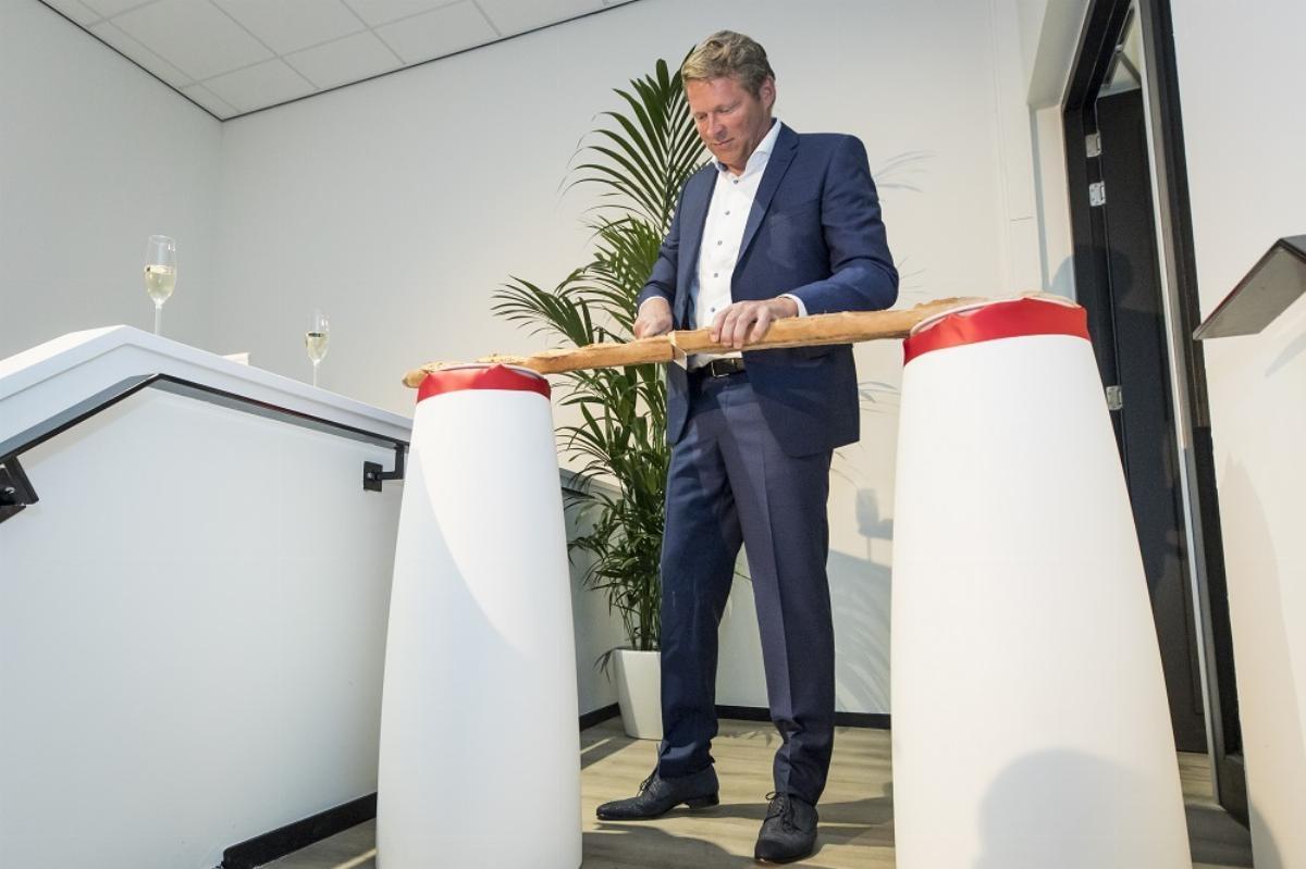 Alfred Bruin opent BIA in Vlaardingen - foto Koos Groenewold