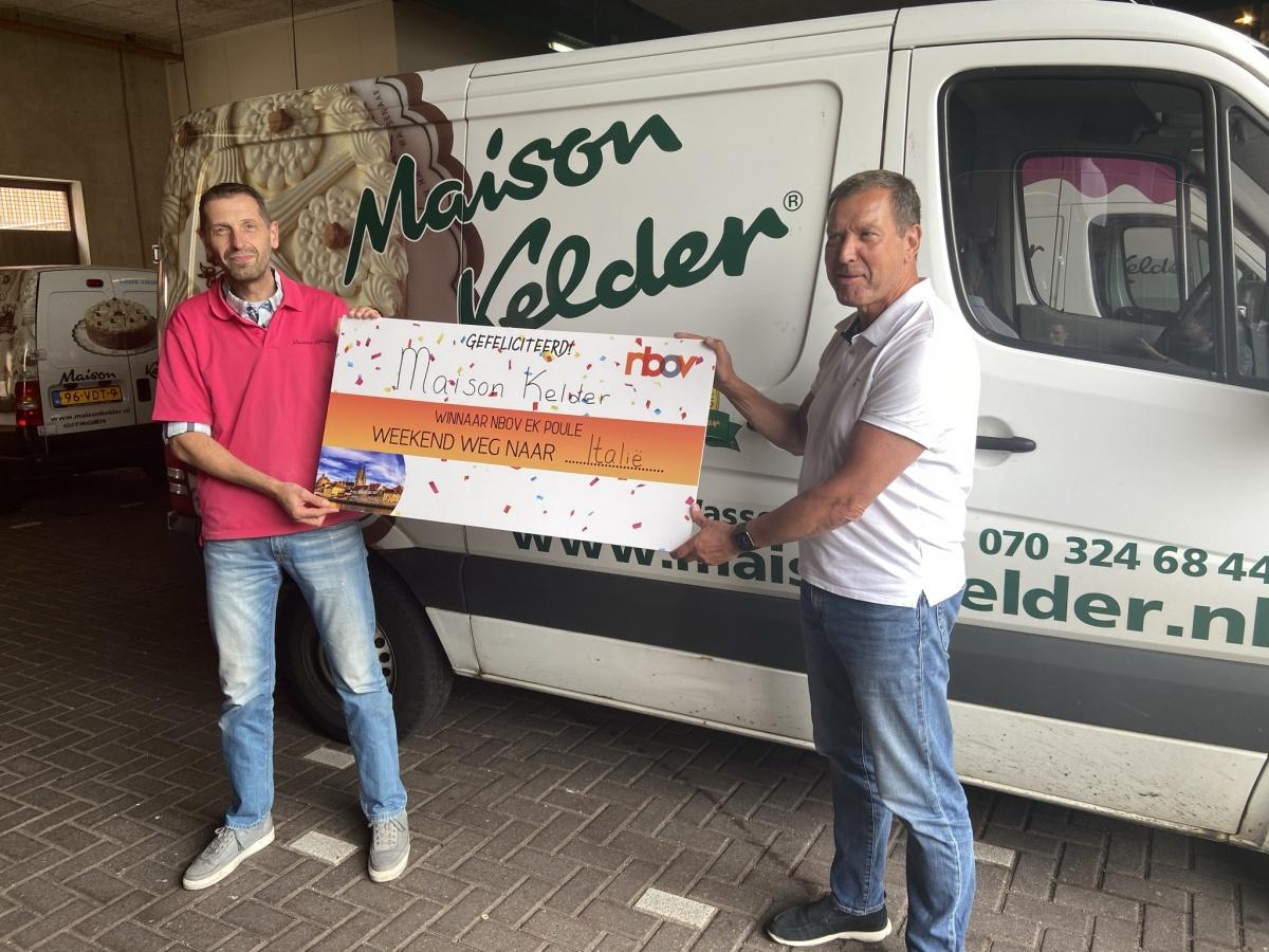 Robert Mijs en Ron van der Hulst met de prijs